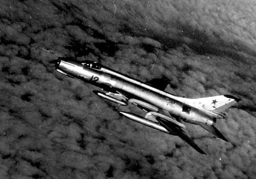 The Su-17M2 with the SPS- 141 'Siren' jammer pod. In strike group, the leader usually was the carrying SPS pod. Over Georgia in 1978.