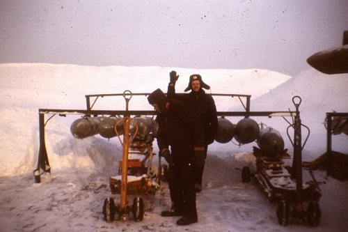 Soviet Tactical Air Force's 7th Bomber Air Regiment, Starokonstaninov ground crew