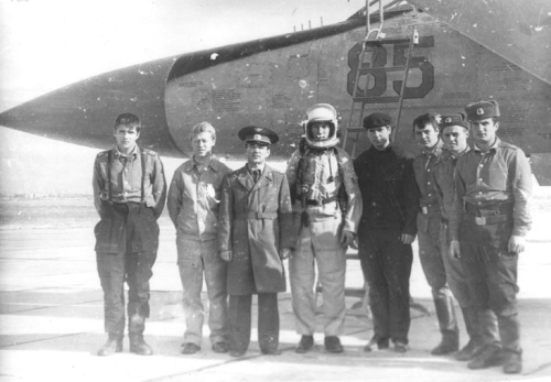 USSR Crew of the MiG-25P 'Foxbat-A' at Nasosnaya airport close to Baku city in 1983