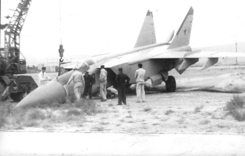 Rescue MiG-25P 'Foxbat-A' after overrun at the Nasosnaya airport