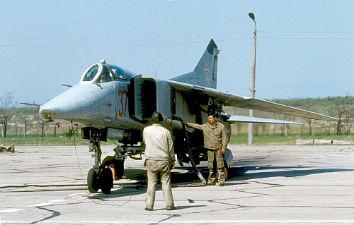 rey coloured Bulgarian Air Force's MiG-23BN fighter-bomber in Cheshnegirovo airport. Photo: Evgeni Andonov collection