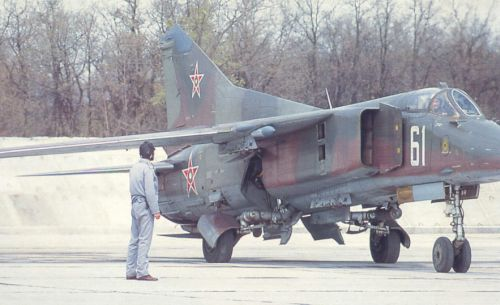 The Bulgarian 25th Fighter Bomber Air Regiment used 39 MiG-23BN/UB Flogger-H/C fighter-bomber aircraft at Cheshnegirovo airport