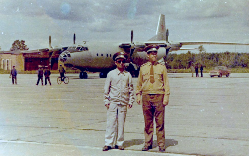 679th Independent Test Transport Air Regiment's crew visited at the Klin AB with their An-12 Cub cargo airplane