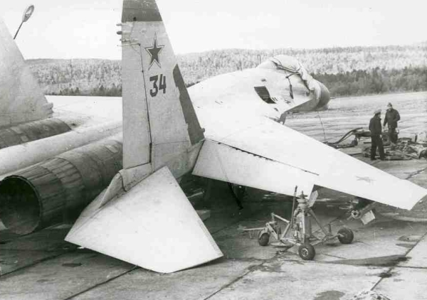 Early Su-27 Flanker-B accident at Kilpyavr