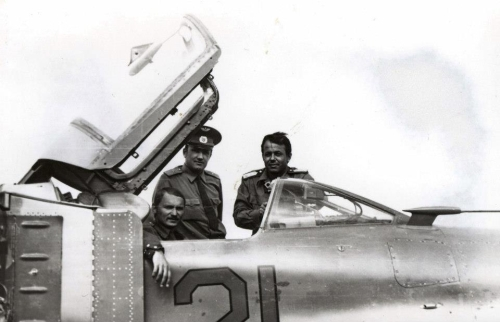 Two Hungarian and one Soviet pilot by theirs MiG-23MS Flogger-E export fighter version in Lugovaya airport in 1979.