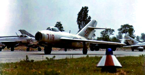 Hungarian MiG-15bis Fagot-B in front of MiG-21F-13 Fishbed-Cs in Kecskemét airport in 1966. Photo: Csatári Árpád