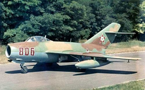 The MiG-15bis Reconnaissance aircraft from Szolnok were painted camouflage.