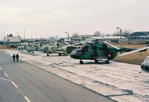 Hungarian Air Force 87th Combat Helicopter Brigade late Mi-24D Hind-D and Mi-24V Hind-E combat helicopters, Mi-17PP Hip-H electronic jamming helicopter, Mi-17 Hip-H trabsport helicopter and a Mi-9 Hip-G flying command post helicopter in Szentkirályszabadja. Photo: Nagy András collection