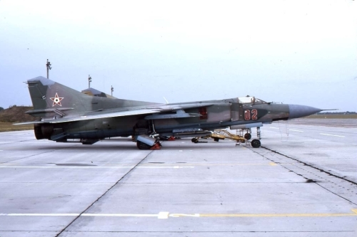 Hungarian MiG-23MF Flogger-B Camouflage at Pápa air base in 1990. Photo: Viroli Elio