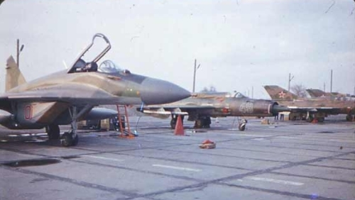 As the last active Soviet tactical fighter air regiment they flew with the MiG-21 Fishbed type until January 1990.